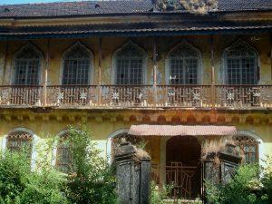 Near Arossim