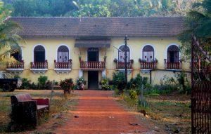 Big Mansion near Curtorim